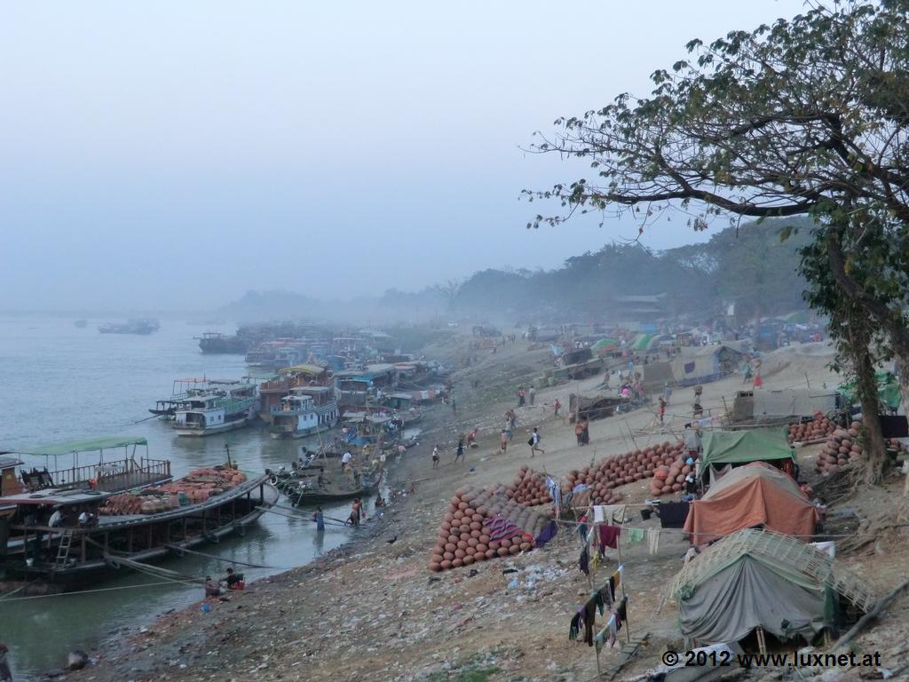 Irrawaddy Harbour (Mandalay)